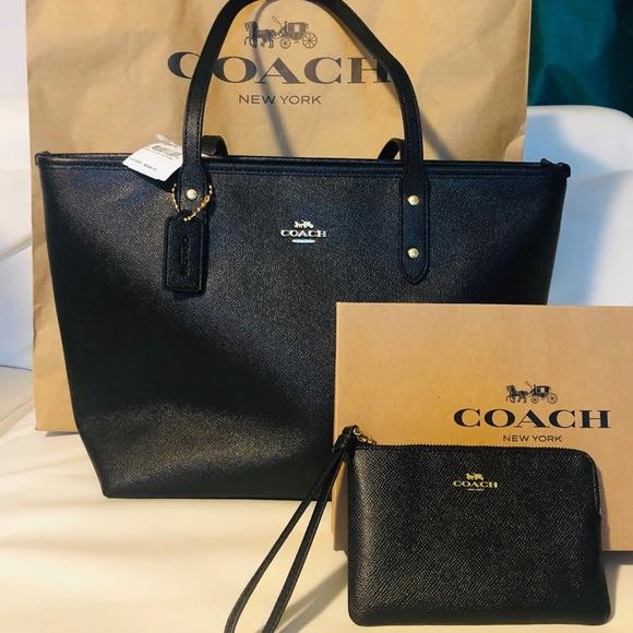 Coach Handbags - NWT Coach Tote Set